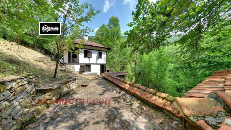 Продава Къща в Ловеч, област с.Балканец - 28900 € 126 кв. м.