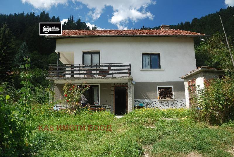 Продава Къща в София, област с.Бели Искър - 47000 € 181 кв. м.