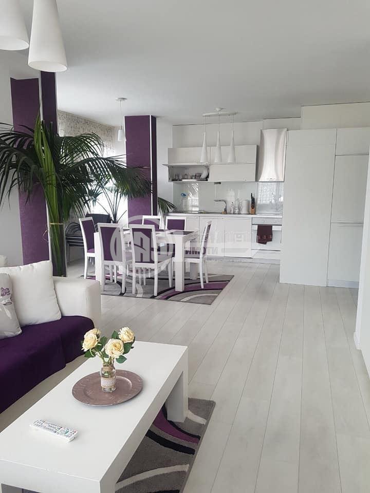 Луксозен апартамент с гараж