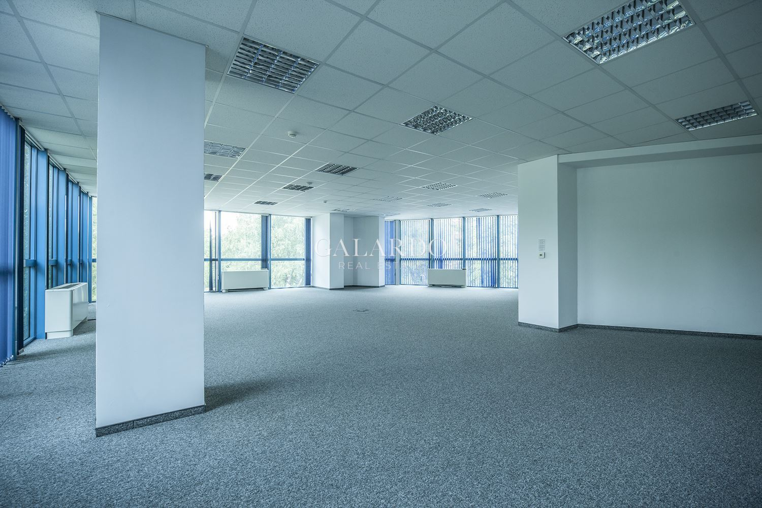 Spacious office in a luxury business building