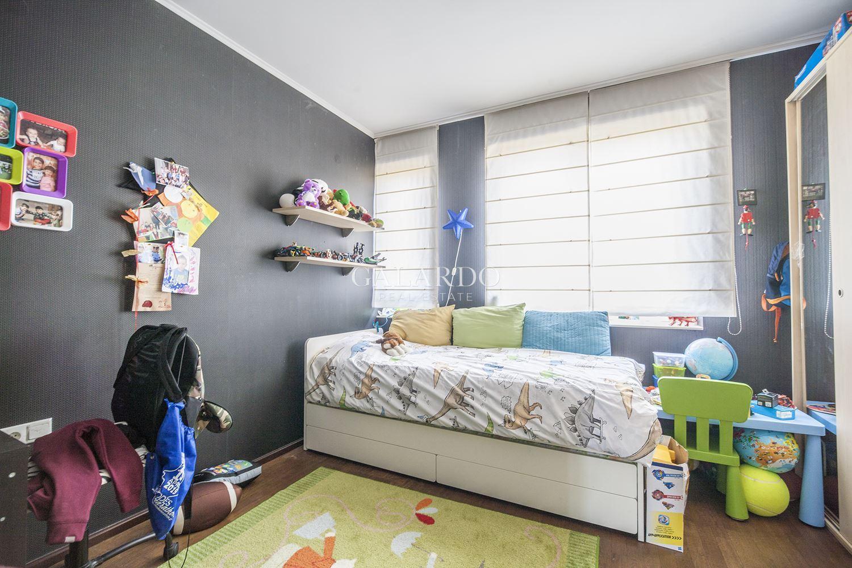 Атрактивен тристаен апартамент в затворен комплекс в кв. Кръстова вада