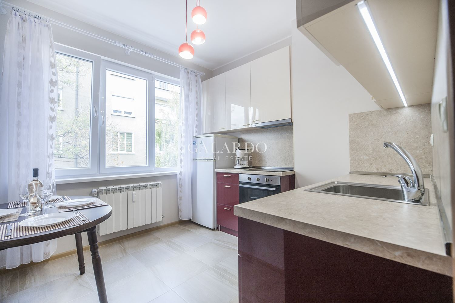 Bright two bedroom apartment near Russian Monument