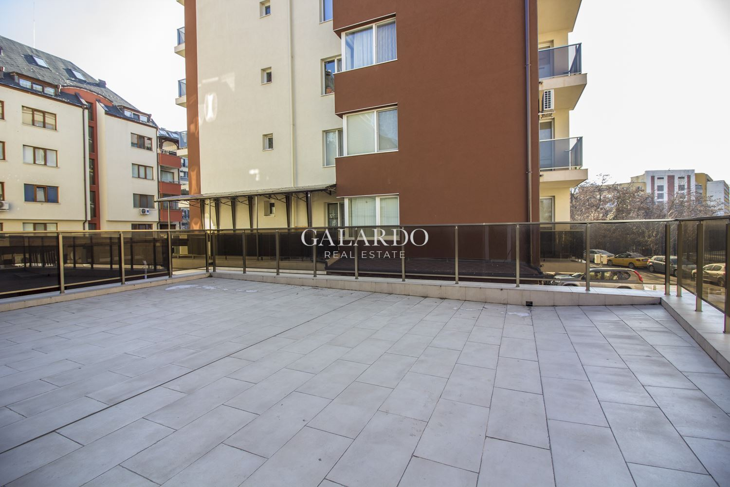 New one bedroom apartment with large terrace, Iztok