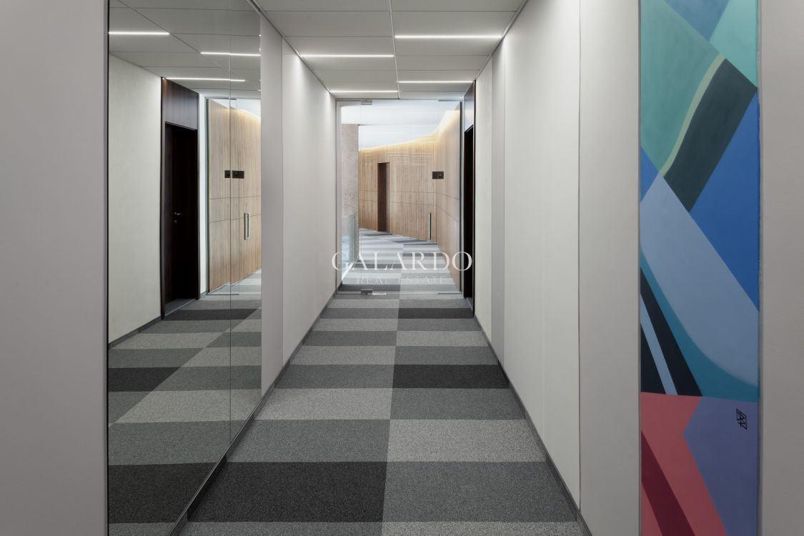 Просторен офис в луксозен затворен комплекс